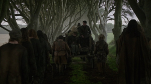 game-of-throne-tournage-dark-hedge-arya