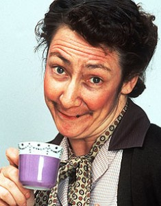 father-ted-Mrs-Doyle-serie-irlande