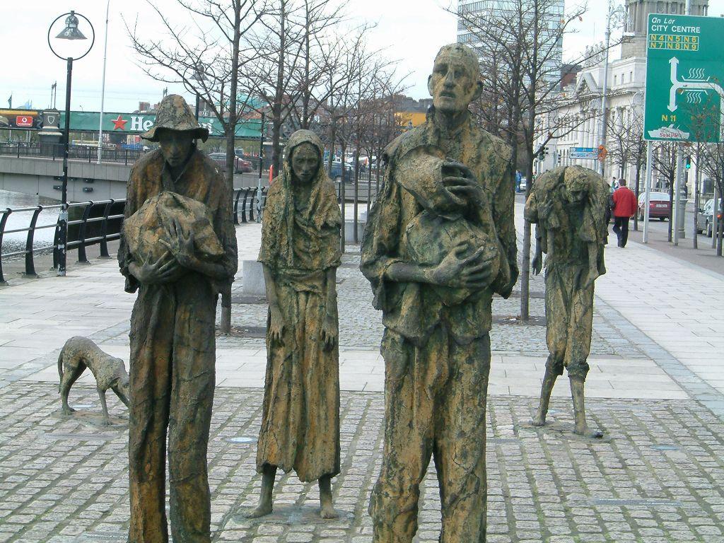 http://www.vivre-en-irlande.fr/wp-content/uploads/2014/03/irlande-histoire-famine-statue.jpg