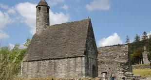 Wicklow - cité - Irlande - église - cimetière - randonnée - glendalough